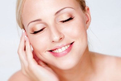 Pulizia del viso: scopri i segreti
