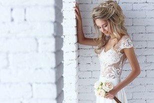 Acconciatura da sposa: il semiraccolto con capelli lunghi