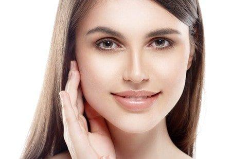 Make up, cura del viso: le sei regole per una base trucco impeccabile per la sposa