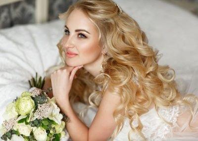 Acconciatura Semi Raccolta Sposa e Trucco Naturale