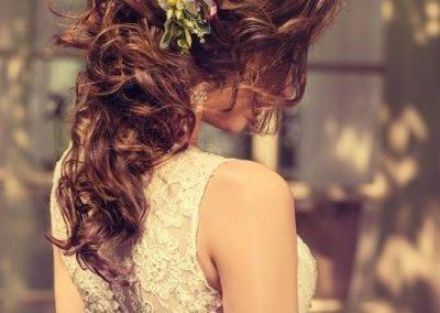 Acconciatura Sposa Sei Raccolta con Fiori
