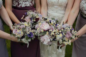 I fiori per valorizzare l'acconciatura